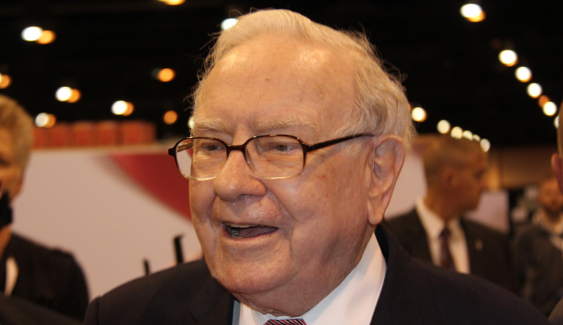 Buffett at 2017 shareholders meeting. Photo: CNBC/Lacy O'Toole